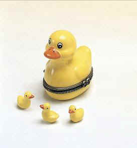 DC00507-Yellow-duckie-tub-ceramic-keepsake-box-favor.jpg (12117 bytes)