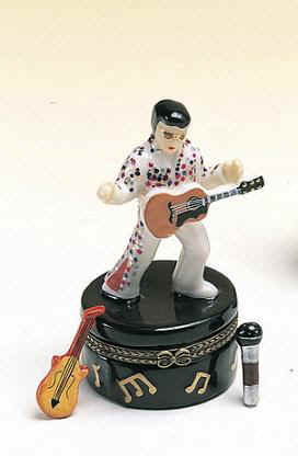 DC00559-Elvis-presley-the-king-ceramic-box-hinged-party-favor.jpg (15017 bytes)