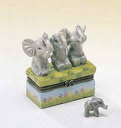 DC00615-see-speak-hear-no-evil-Elephants-favor-box-ceramic.jpg (9739 bytes)