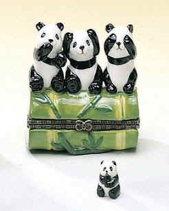 DC00626-see-speak-hear-no-evil-Panda-bears-favor-box-ceramic.jpg (14020 bytes)