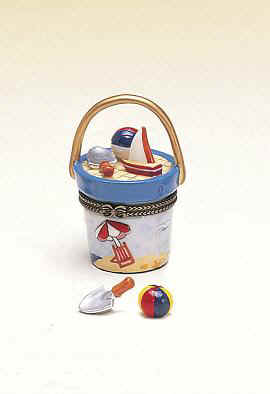 DC00823-kids-Beach-pail-bucket-favor-box-ceramic.jpg (26747 bytes)