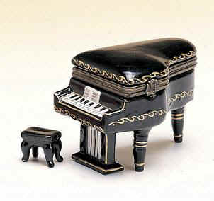 DC00828-Baby grand-piano-black-favor-box-ceramic.jpg (14651 bytes)