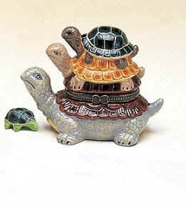 DC00863-3-turtles-hinged-ceramic-box-favor.jpg (13090 bytes)