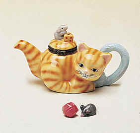 DC00963-Cat-teapot-mouseceramic-keepsake-box-favor.jpg (25584 bytes)