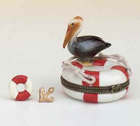 DC02250-Life-raft-seagull-beach-theme-box-favor-porcelain.jpg (8753 bytes)