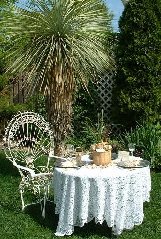 gardencenterpeice8inchnantucketbasket.JPG (55709 bytes)
