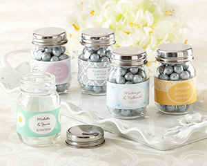 270810NA_MasonJars_Wedding_favors.jpg (30091 bytes)