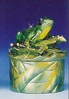 Box336-Green-frog-box-keepsake-trineket-box-with-lid-party-favor-resin.JPG (8122 bytes)