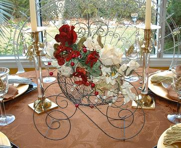 Princess_carriage_coach-centerpieces-for_Cinderella_theme.JPG (38541 bytes)